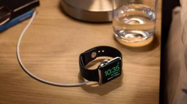 Половина владельцев Apple Watch купят их снова в Новый год