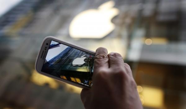 Apple обвинили в провальном квартале Samsung