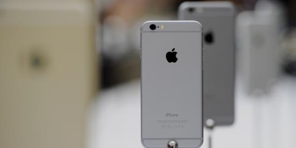 iPhone не так просто достать в России