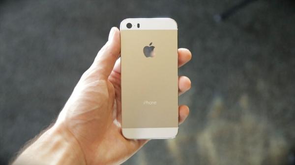 Почему бюджетный iPhone может ждать провал