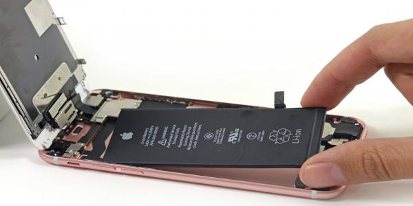 Fat Battery модифицируют ваш iPhone, увеличив время работы в 4 раза