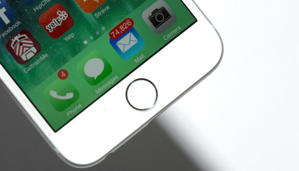 Apple отключила 180 тысяч iPhone
