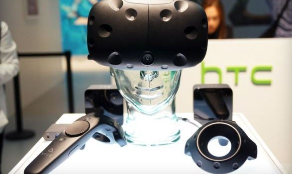 Виртуальная реальность станет массовым продуктом через 10 лет, считает Цукерберг